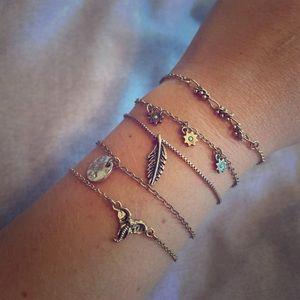 American Eagle bracelet set